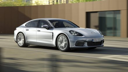 2017 Porsche Panamera base model revealed, gets new V6 twin-turbo