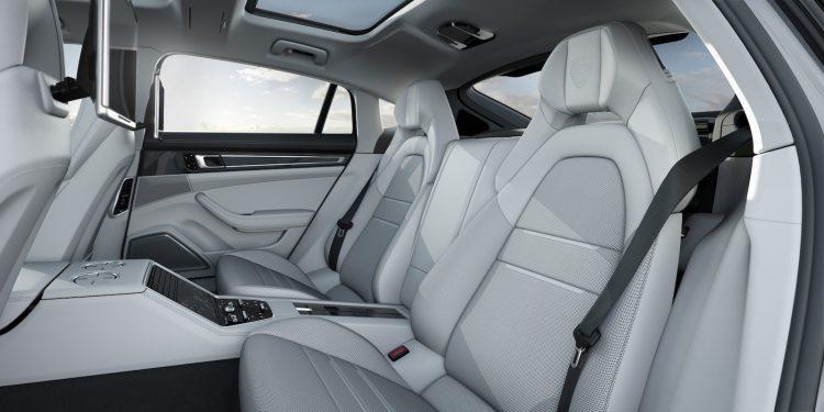 2017-porsche-panamera-executive-rear-seats
