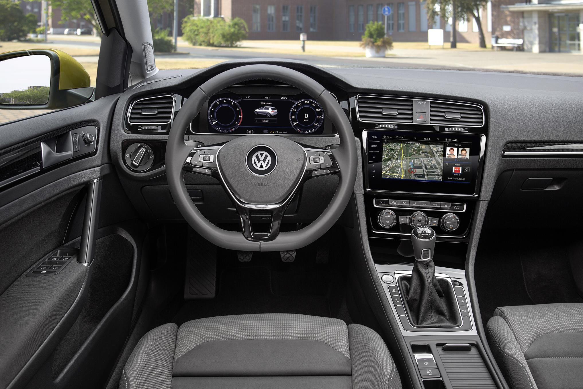 2017 Volkswagen Golf Interior