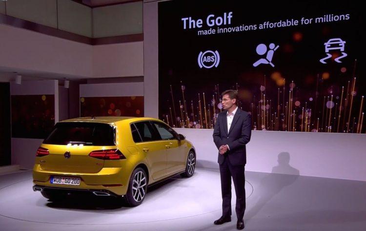 2017-volkswagen-golf-rear