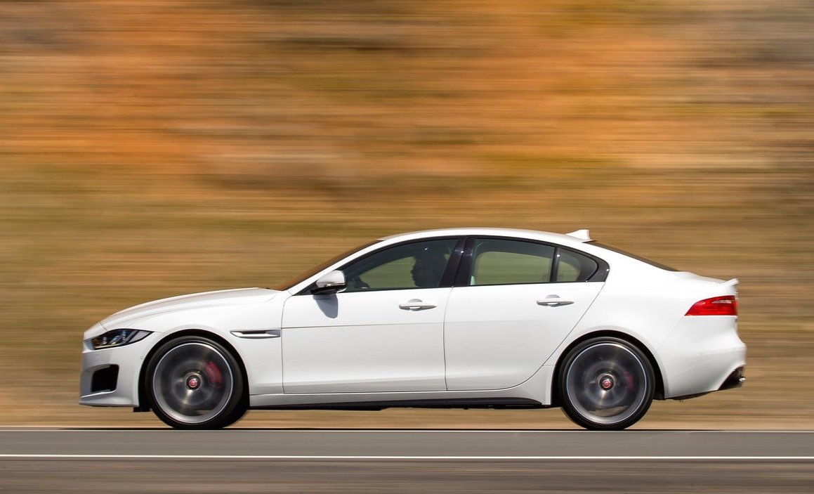 jaguar xe 39 r 39 v8 to share powertrain with f pace v8 rumour performancedrive. Black Bedroom Furniture Sets. Home Design Ideas