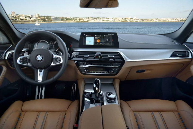 2017 BMW 540i-interior