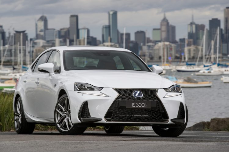 2016 Lexus IS 300h F Sport