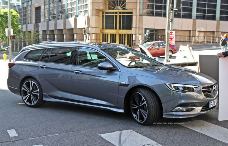 2018-holden-commodore-spotted