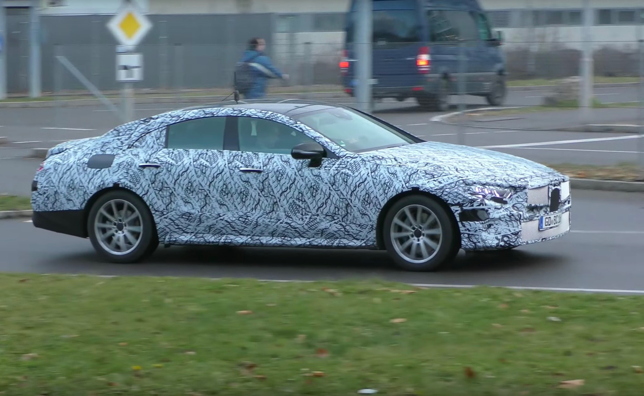 2018 mercedes benz cle prototypes spotted to replace cls for Mercedes benz cle
