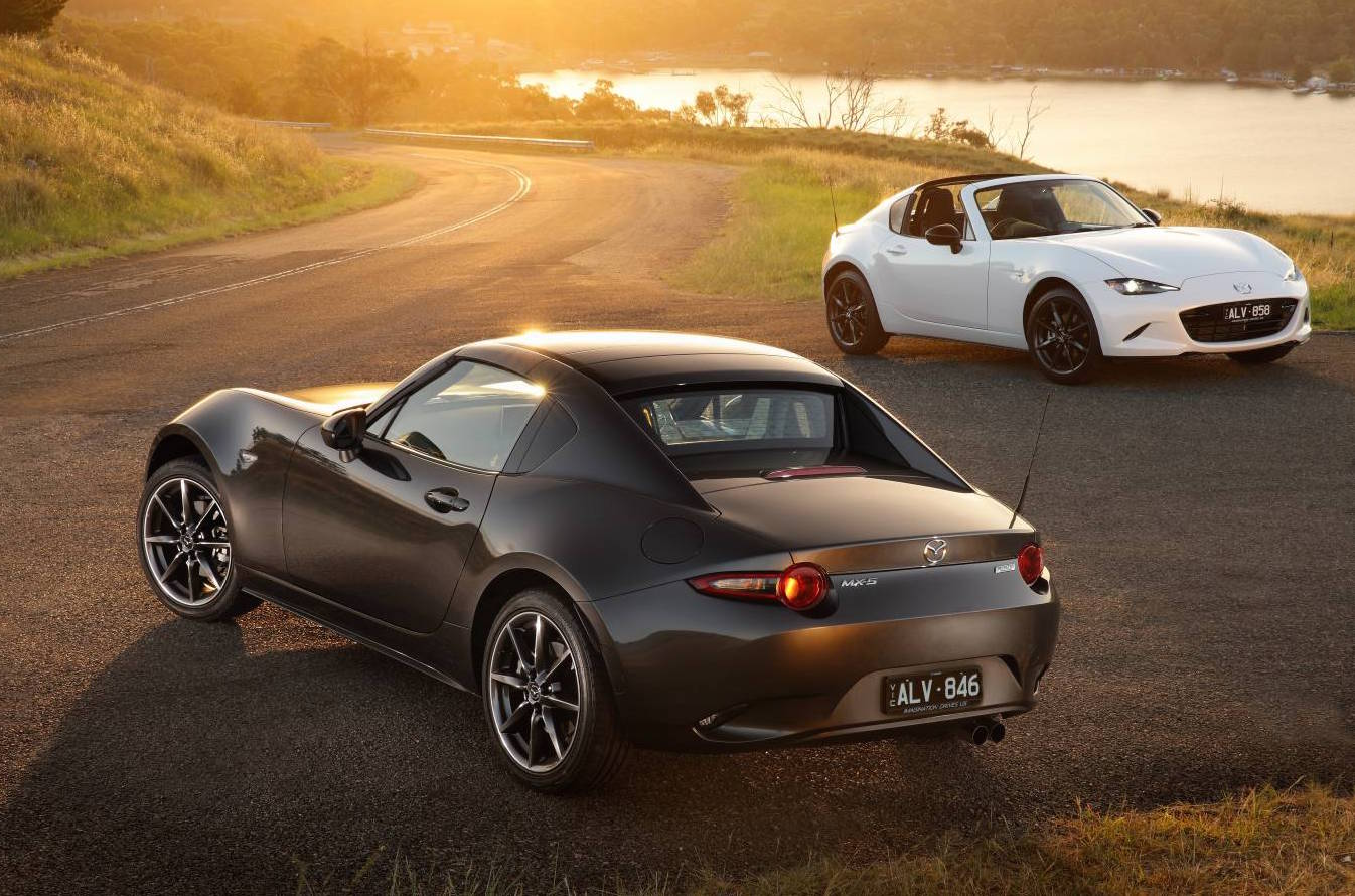 All MX 5 RF Models In Australia Come With The 2.0 Litre Naturally Aspirated  Engine Option, While The Soft Top Continues With The 1.5L And 2.0L  Offerings.