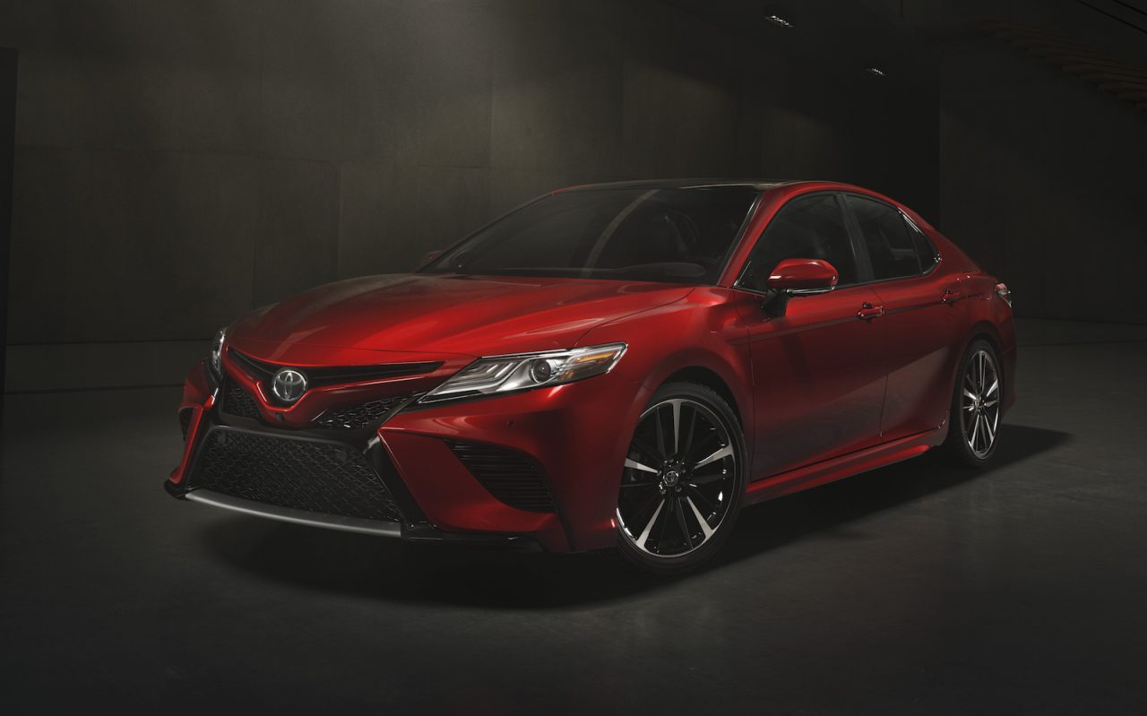 2018 toyota camry facelift unveiled with new v6 option performancedrive. Black Bedroom Furniture Sets. Home Design Ideas