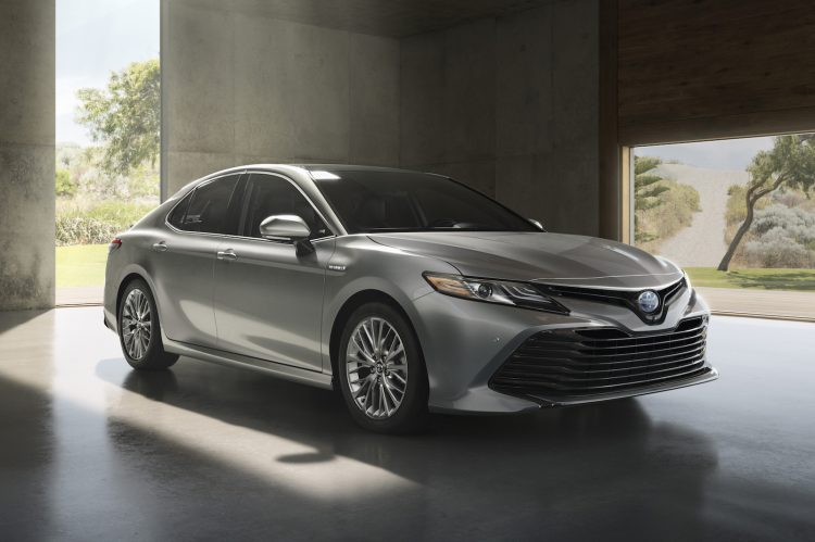 2018-toyota-camry-silver