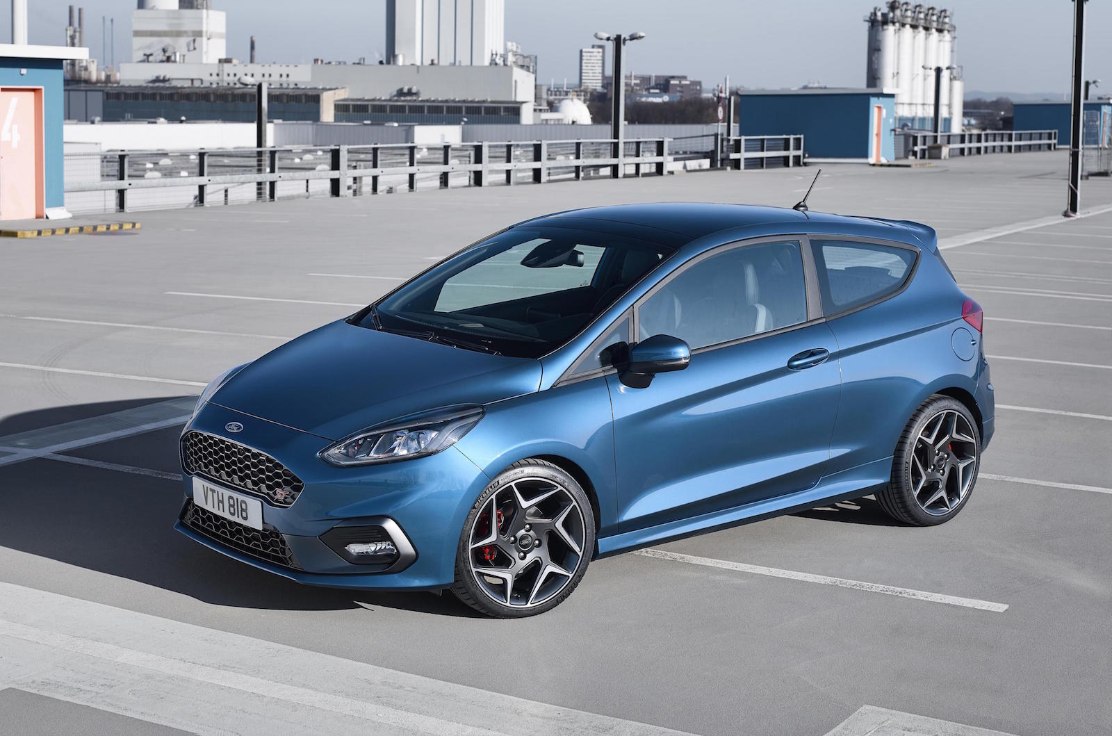 2017 ford fiesta st officially revealed gets 1 5t 3cyl performancedrive. Black Bedroom Furniture Sets. Home Design Ideas