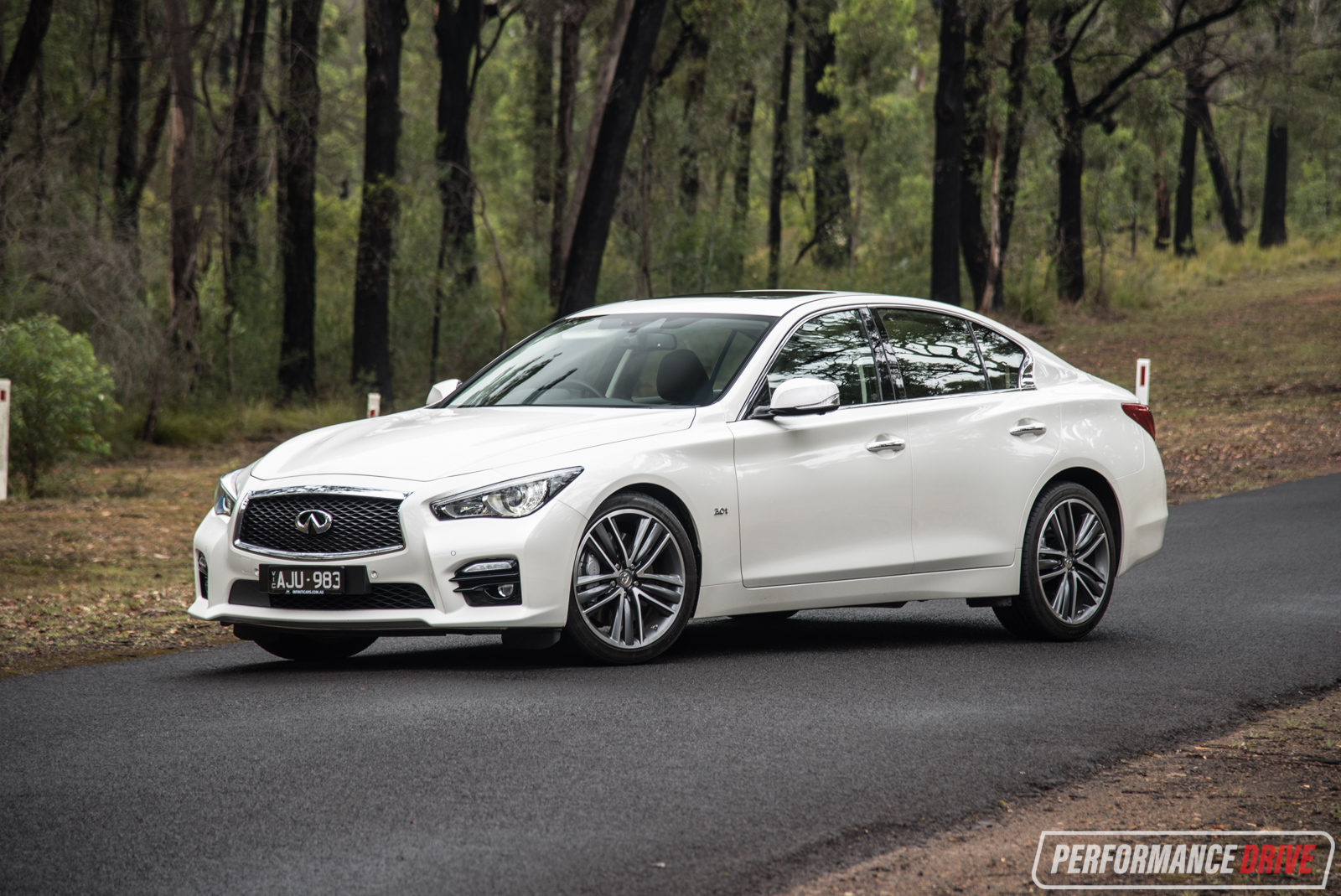 2017 infiniti q50 silver sport review video performancedrive. Black Bedroom Furniture Sets. Home Design Ideas