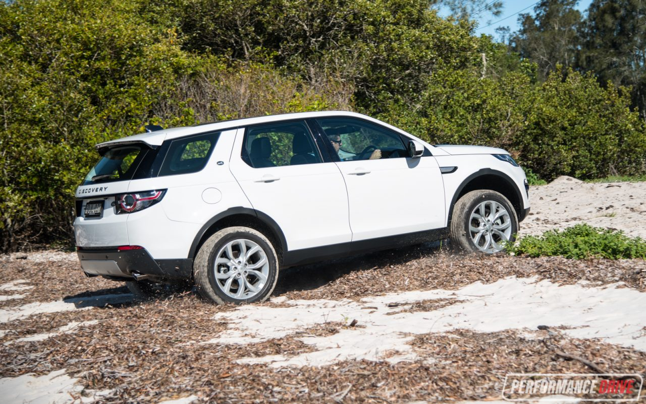 2017 Land Rover Discovery Sport HSE TD4 180 review ...