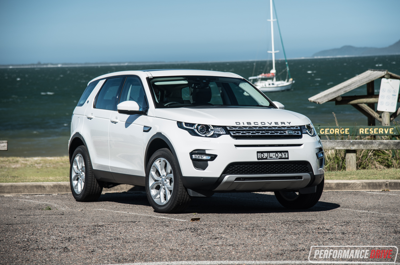 2017 land rover discovery sport hse white. Black Bedroom Furniture Sets. Home Design Ideas