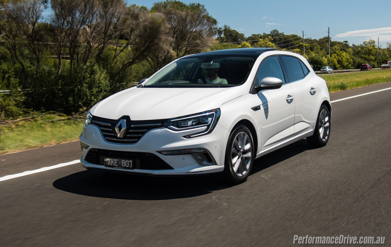 2017 renault megane gt line 1 2t review video performancedrive. Black Bedroom Furniture Sets. Home Design Ideas