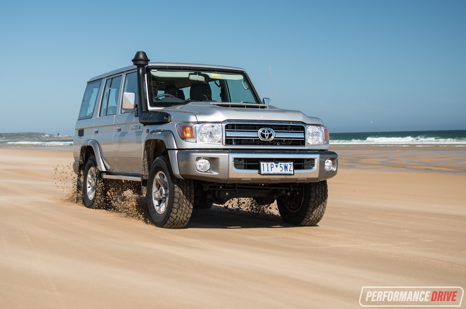 Land Cruiser 70 Series Off Road >> 2017 Toyota LandCruiser 70 Series GXL wagon review (video) | PerformanceDrive