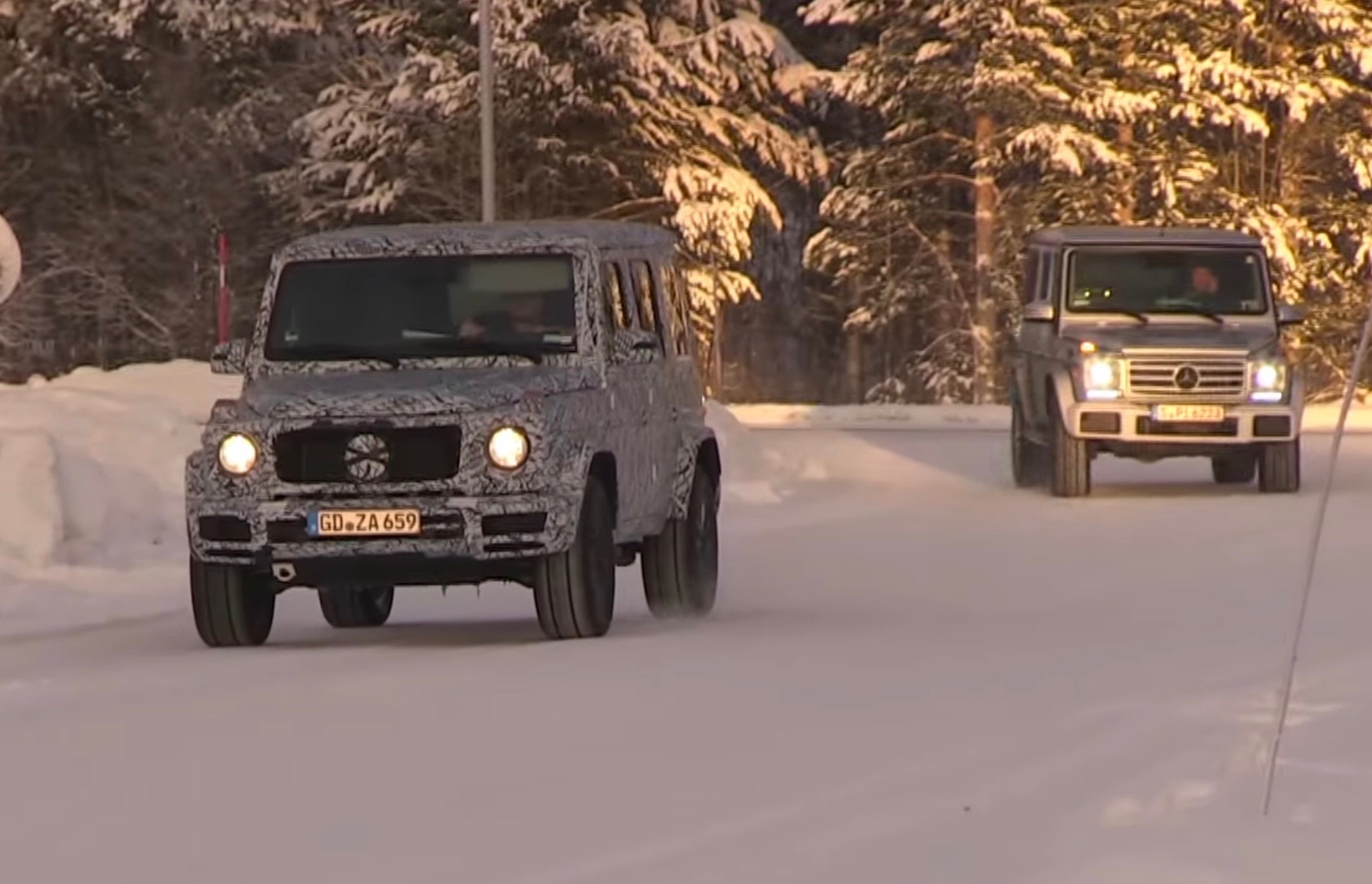 Mercedes benz g class 6 6 video fiat world test drive for Mercedes benz g500