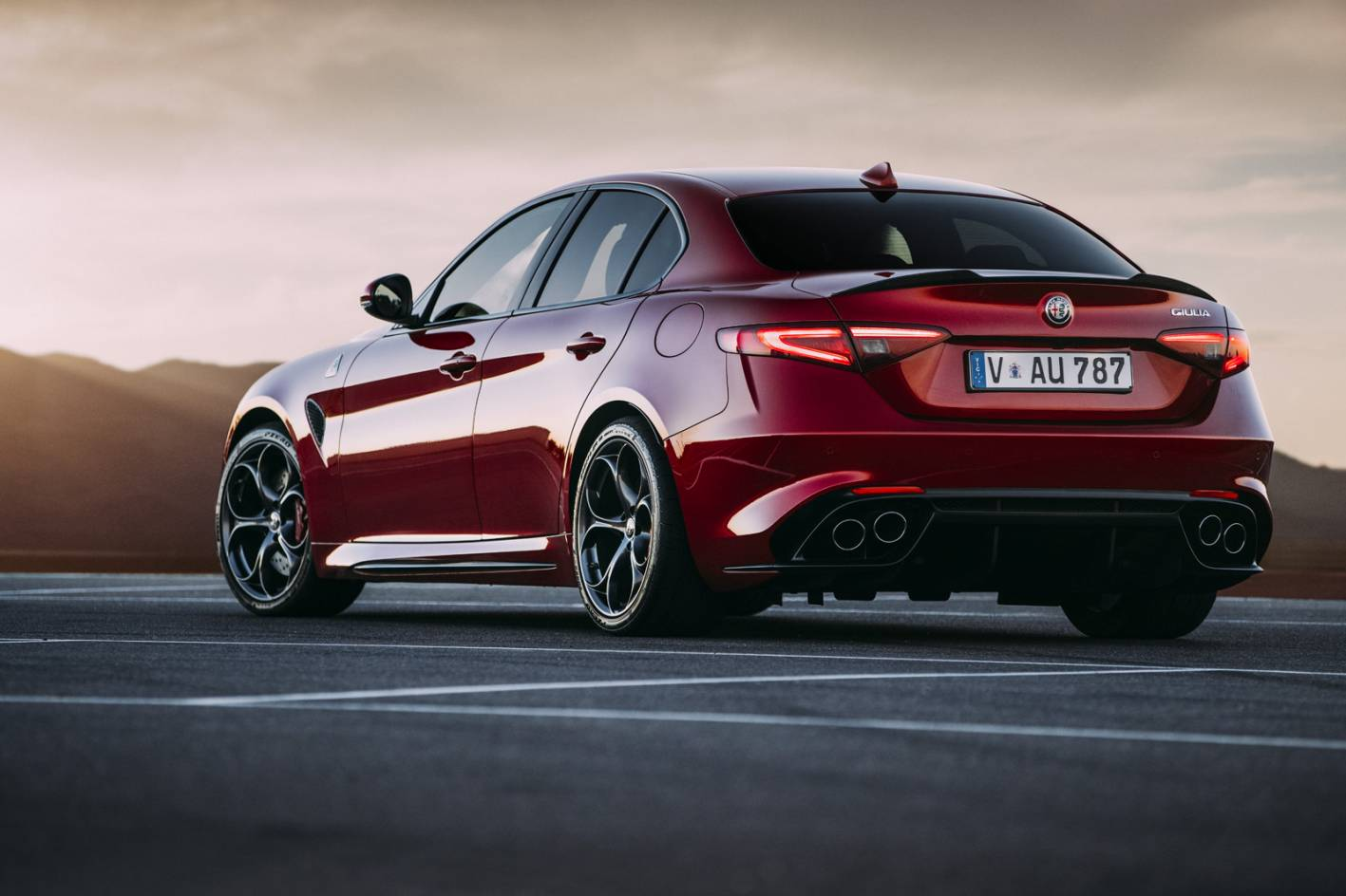 alfa romeo giulia now on sale in australia from 59 895 performancedrive. Black Bedroom Furniture Sets. Home Design Ideas