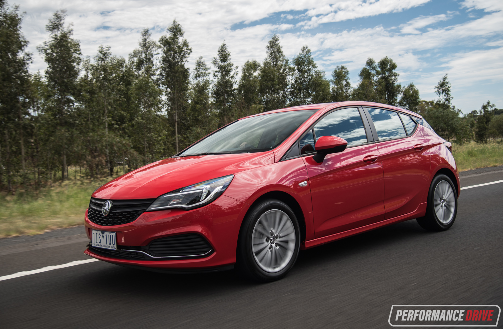 Holden Colorado 2017 >> 2017 Holden Astra R review (video) | PerformanceDrive