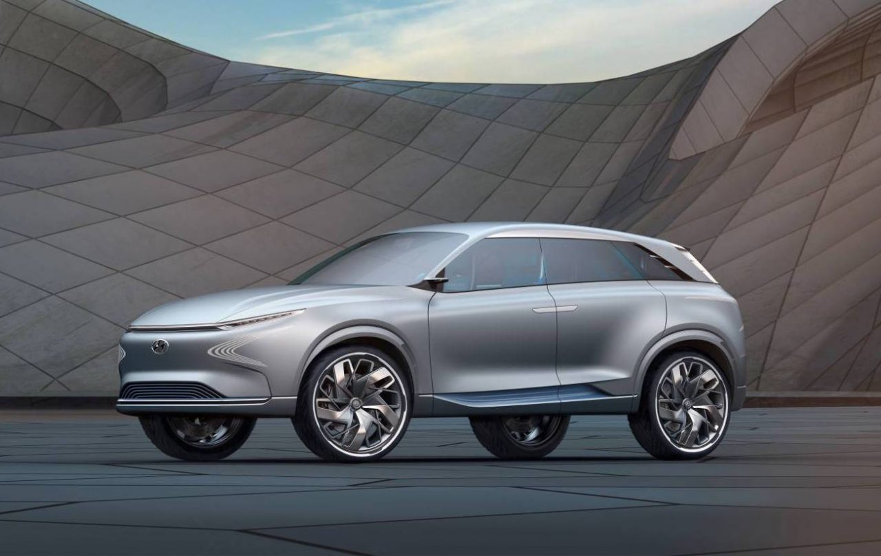 hyundai shows fe fuel cell concept at geneva previews future suv performancedrive. Black Bedroom Furniture Sets. Home Design Ideas