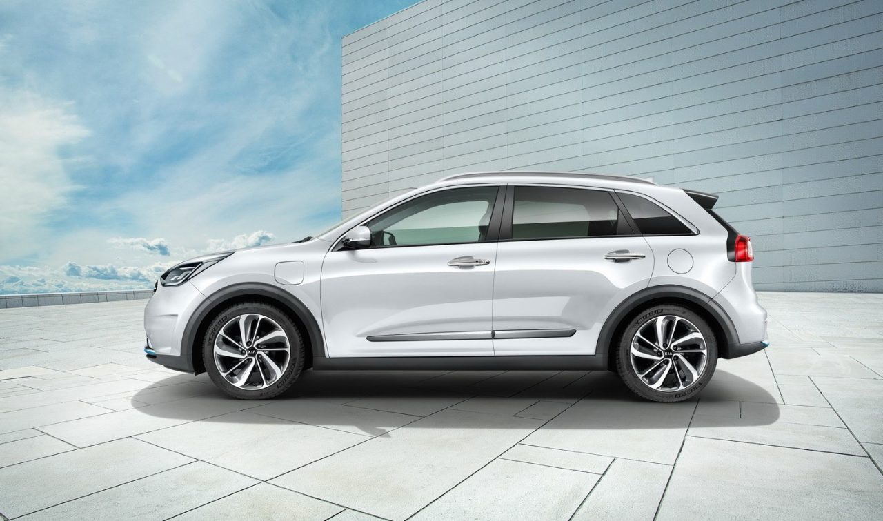 kia niro plug in hybrid revealed with 55km ev range. Black Bedroom Furniture Sets. Home Design Ideas
