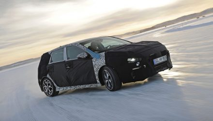 Hyundai i30 N hot hatch development hits the snow (video)