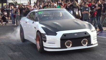 Alpha G Nissan GT-R breaks 1/4 mile world record (video)