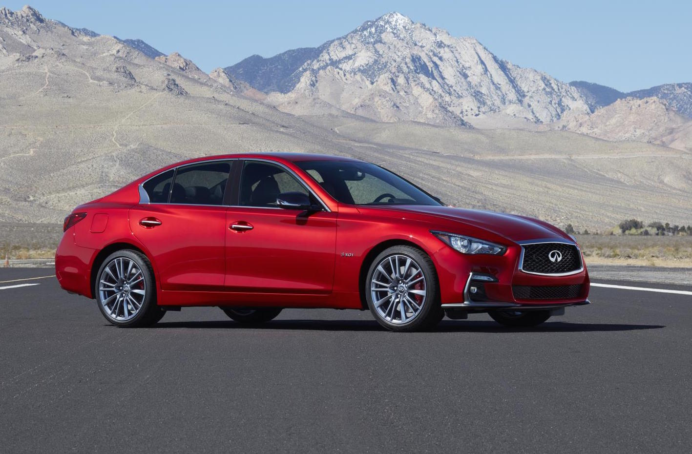 2018 infiniti q50 debuts at geneva with mild facelift. Black Bedroom Furniture Sets. Home Design Ideas