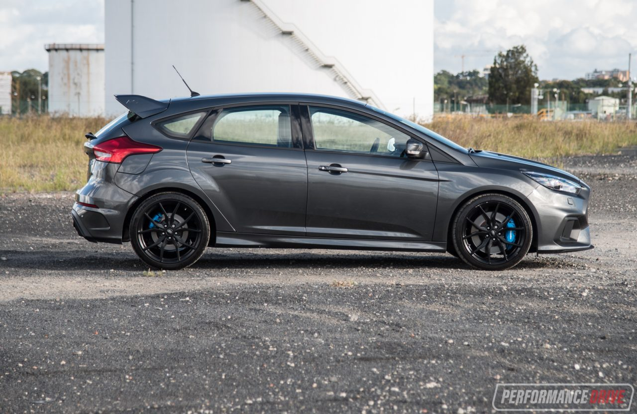 2017 ford focus rs review video performancedrive. Black Bedroom Furniture Sets. Home Design Ideas