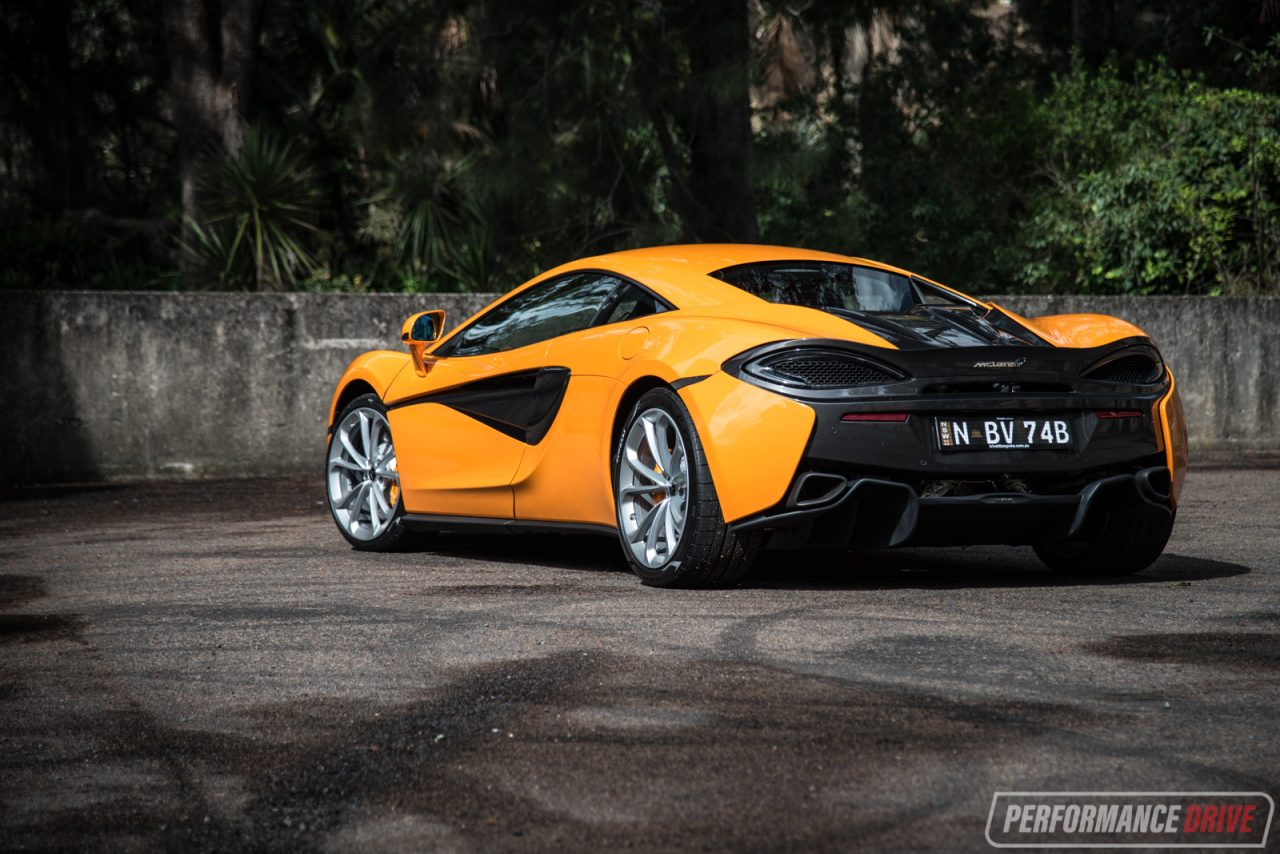 2017 McLaren 540C Review (video)
