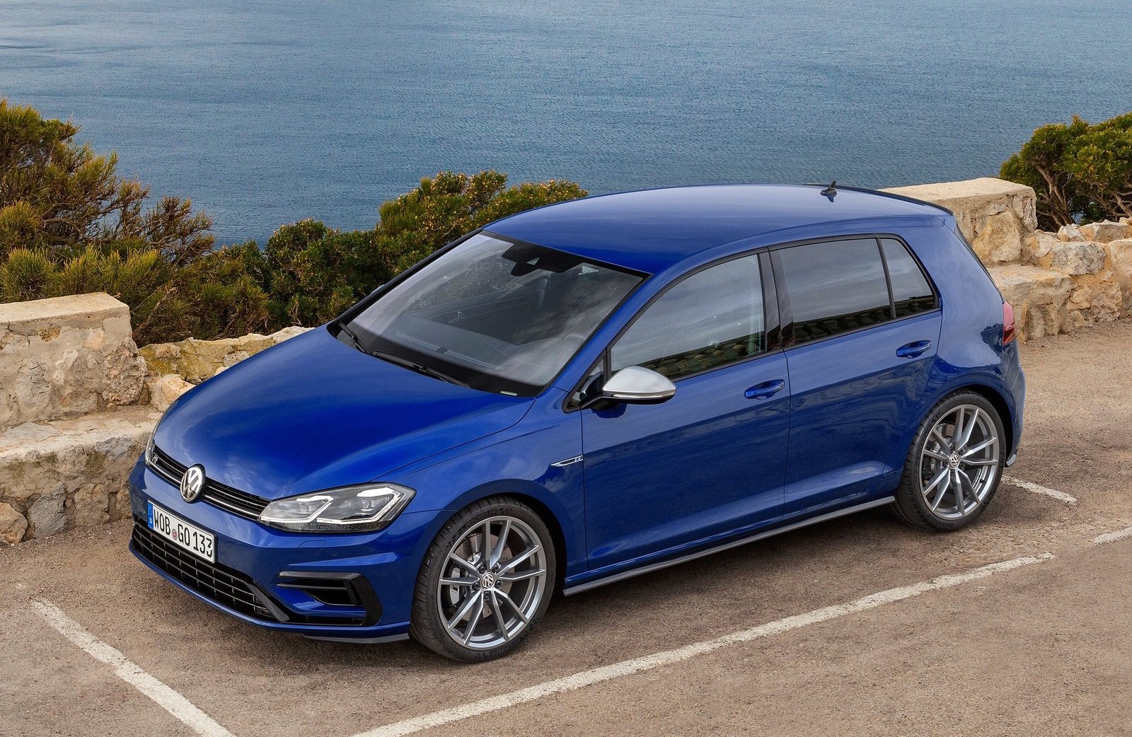 2017 volkswagen golf r mk7 5 on sale in australia in august performancedrive. Black Bedroom Furniture Sets. Home Design Ideas