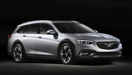 2018 Buick Regal TourX revealed as Chinese & U.S. versions of Insignia/Commodore
