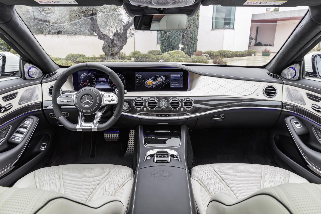 2018 mercedes benz s class revealed debuts new inline six for Inside mercedes benz