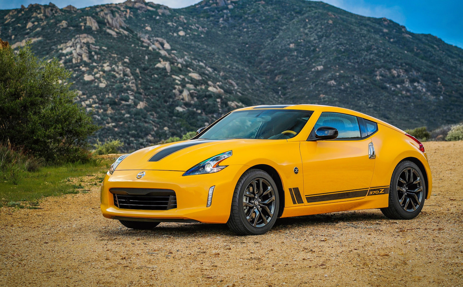 nissan 370z heritage edition celebrates z car 50th anniversary my2018 confirmed performancedrive. Black Bedroom Furniture Sets. Home Design Ideas
