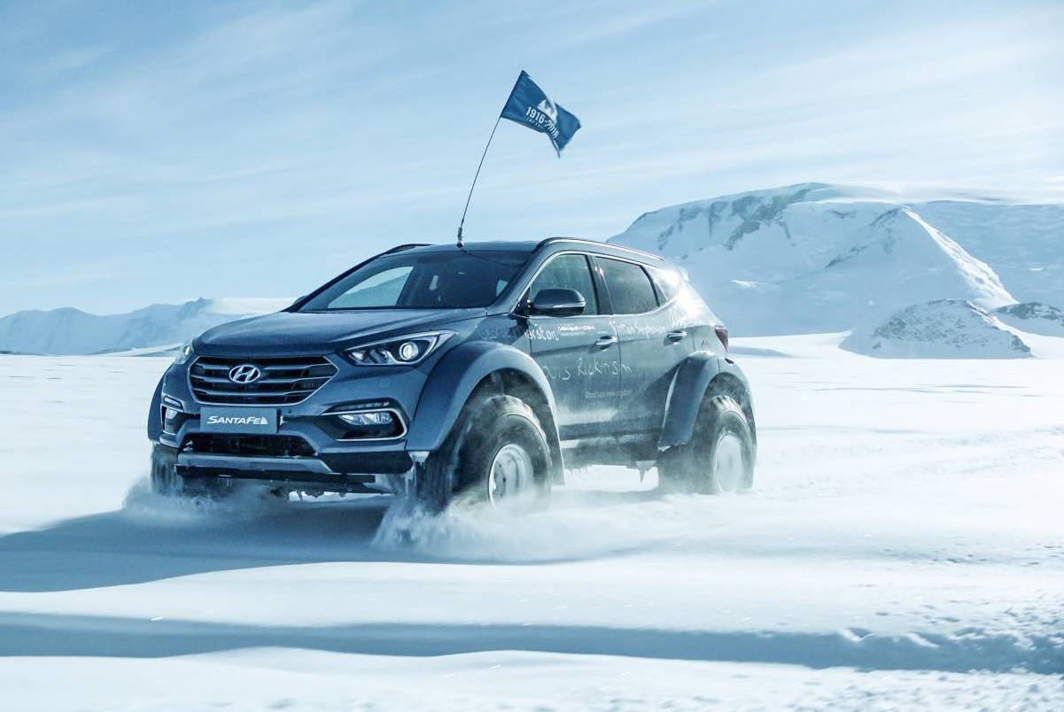 hyundai takes santa fe across antarctica performancedrive. Black Bedroom Furniture Sets. Home Design Ideas