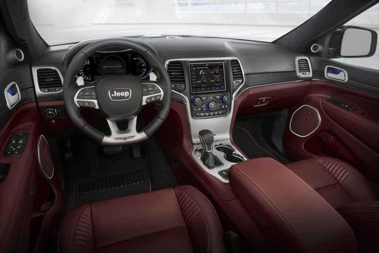 jeep grand cherokee trackhawk turning jeep grand cherokee trackhawk. Cars Review. Best American Auto & Cars Review