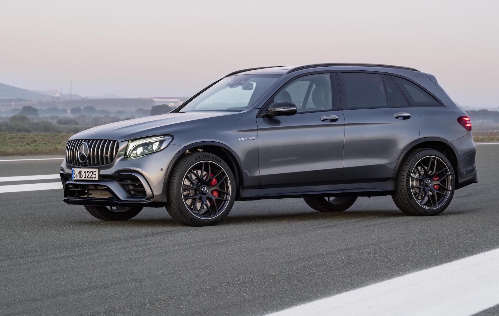mercedes amg glc 63 revealed most powerful suv in the class performancedrive. Black Bedroom Furniture Sets. Home Design Ideas