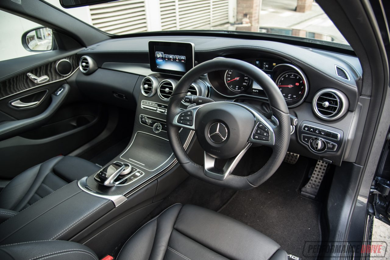 Mercedes benz c 250 amg line review video performancedrive for Mercedes clase a amg interior