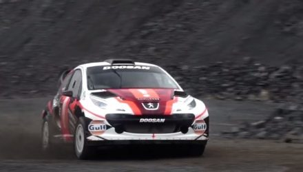 Video: Crazy Peugeot 207 'MC2' WRC car with Renault F2 V6