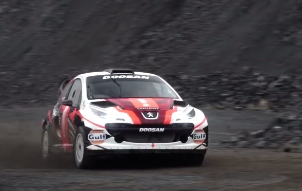 Video: Crazy Peugeot 207 \'MC2\' WRC car with Renault F2 V6 ...