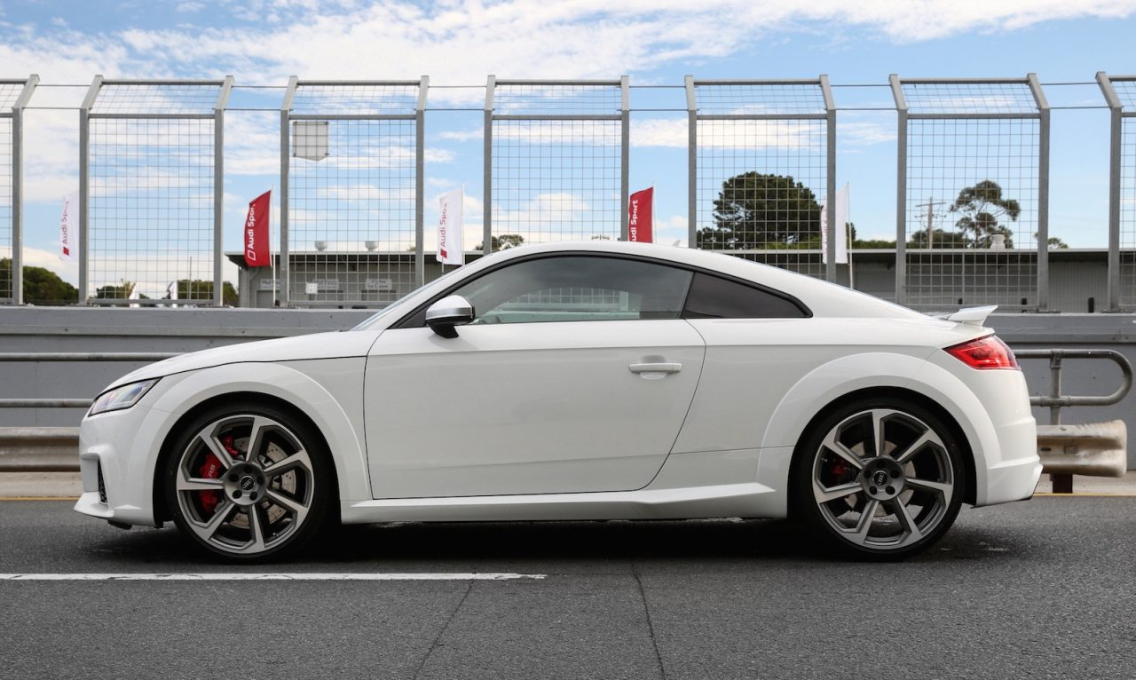 2017 audi tt rs now on sale in australia roadster added. Black Bedroom Furniture Sets. Home Design Ideas
