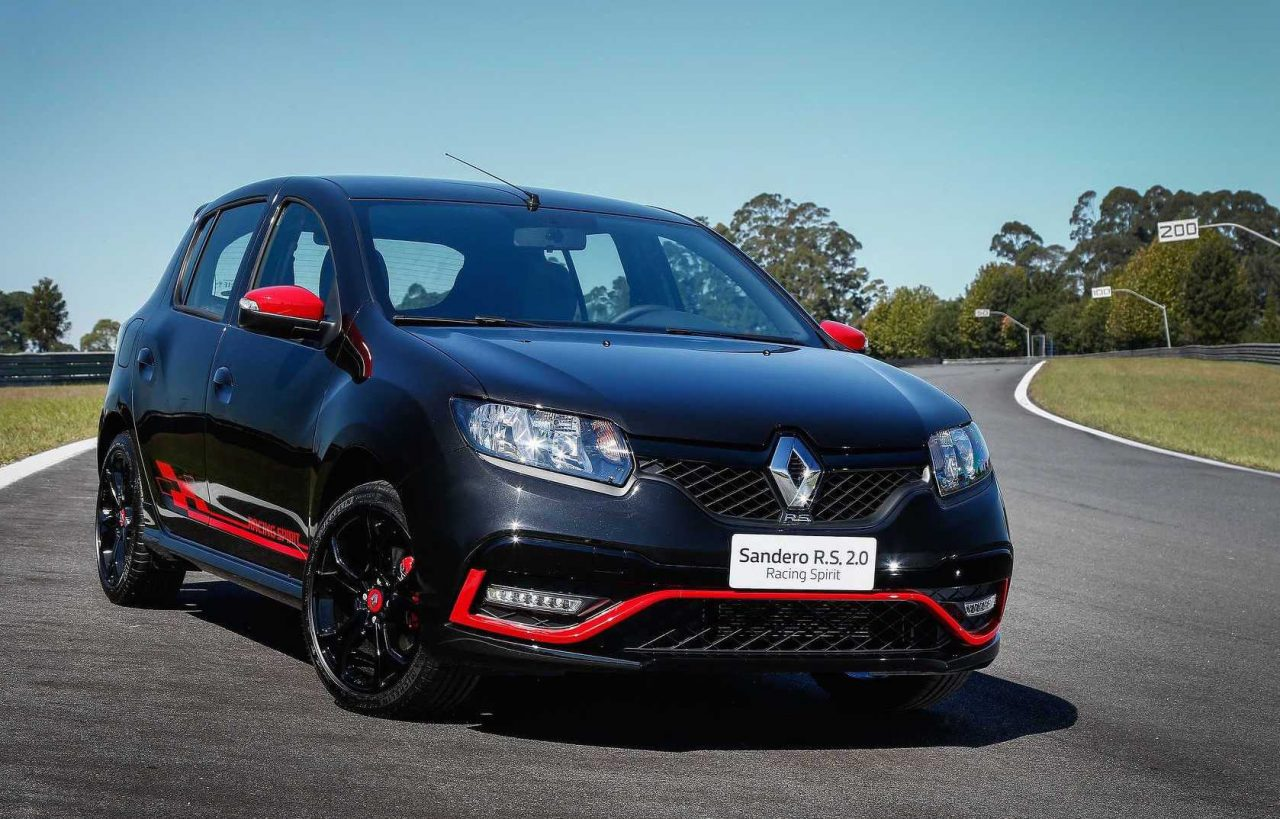 renault sandero r s brings back the rawness of hot hatch performancedrive. Black Bedroom Furniture Sets. Home Design Ideas