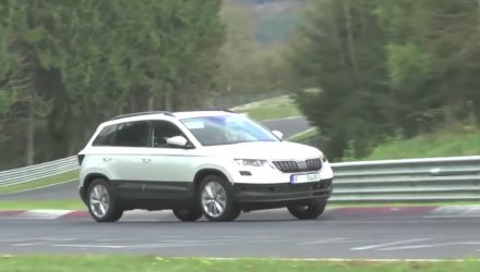 Skoda Karoq revealed via undisguised prototype, confirms crossover shape (video)
