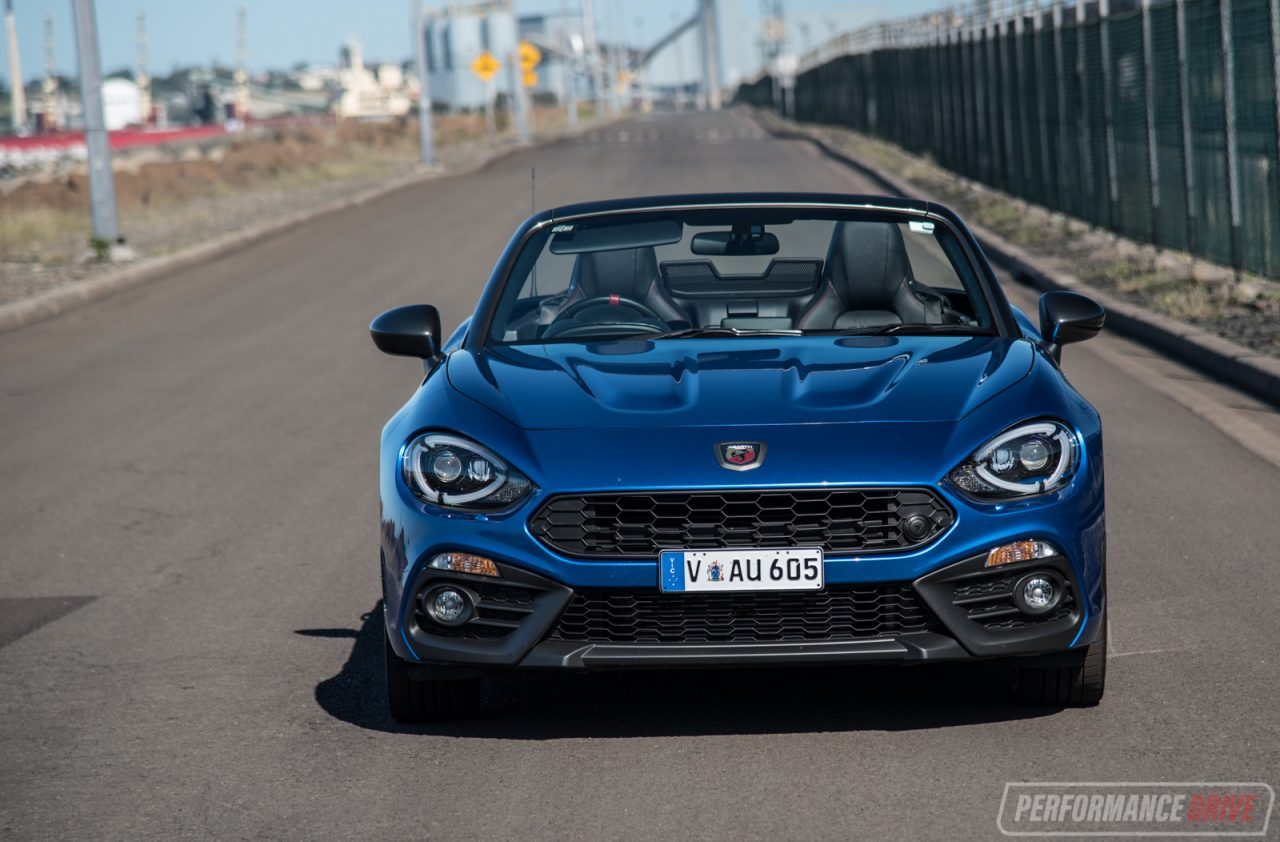 2017 abarth 124 spider review video performancedrive. Black Bedroom Furniture Sets. Home Design Ideas