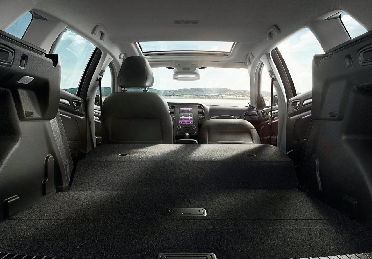 2017 Renault Megane GT wagon-interior