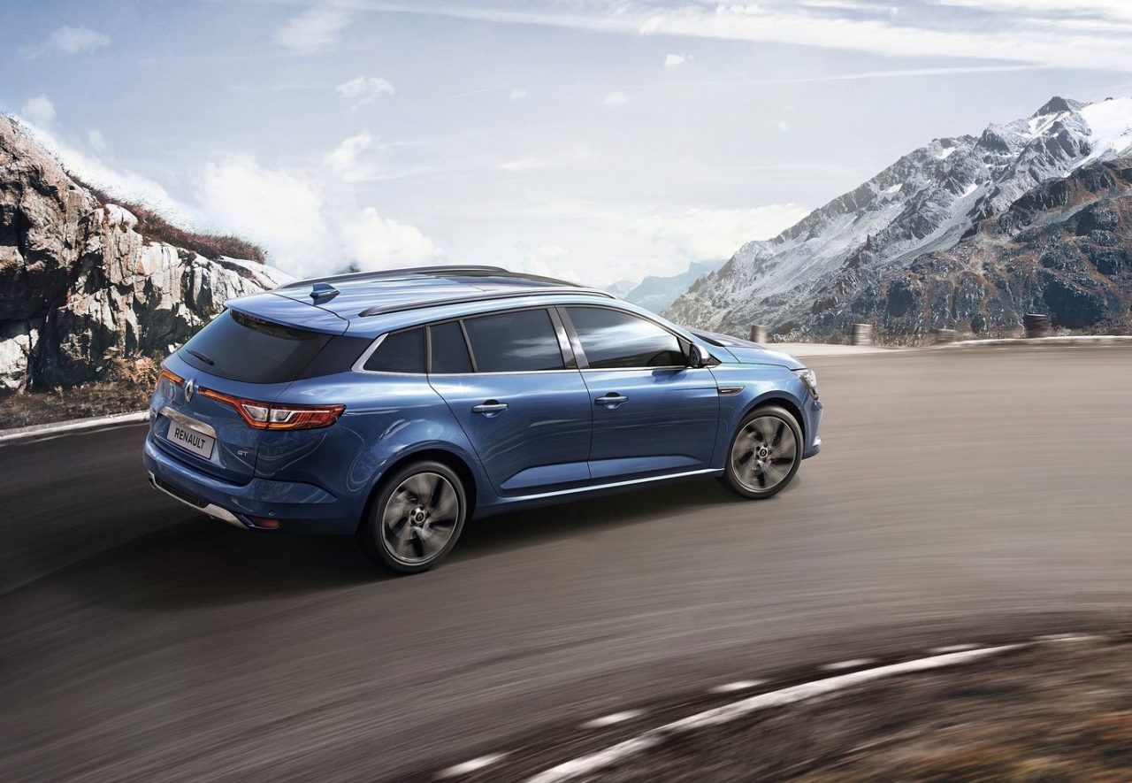 2017 renault megane wagon sedan now on sale in australia performancedrive. Black Bedroom Furniture Sets. Home Design Ideas