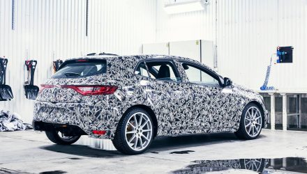 2018 Renault Megane R.S. previewed again, undergoing winter testing