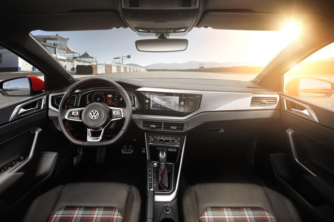 2018 volkswagen polo officially revealed gti packs 147kw for Interieur nouvelle polo