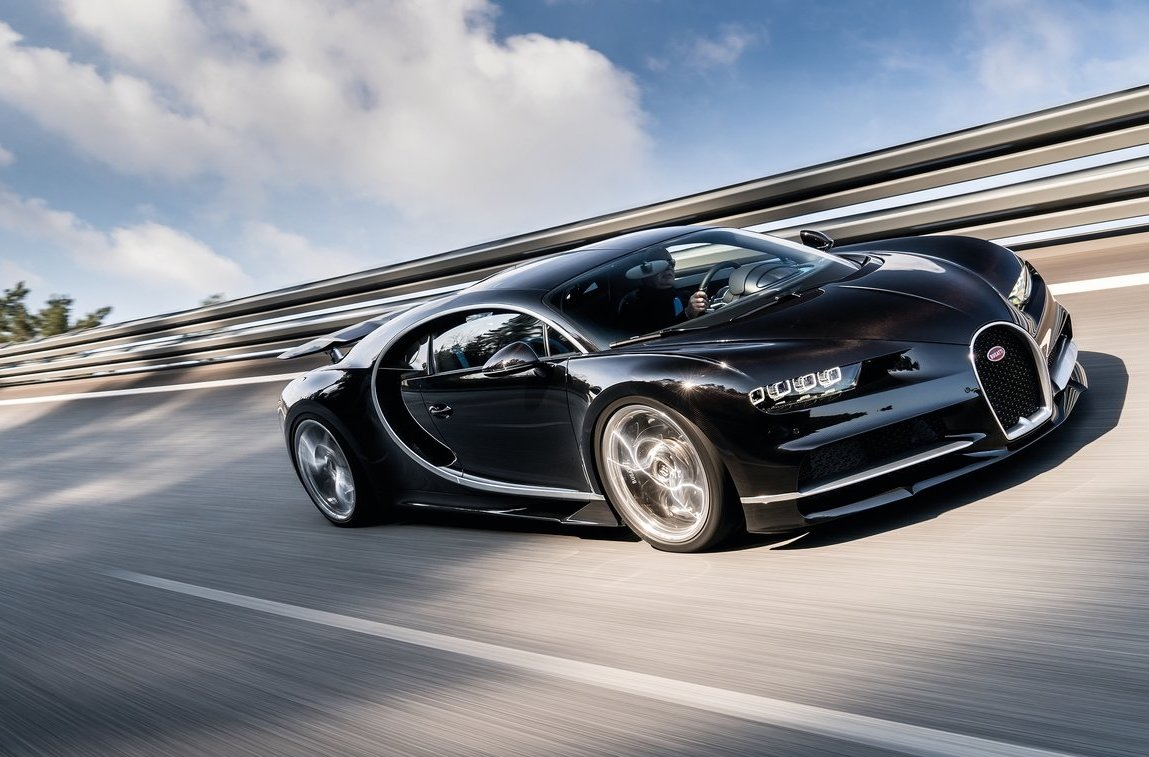 Bugatti Chiron Won T Hit 500km H Limited By Tyres