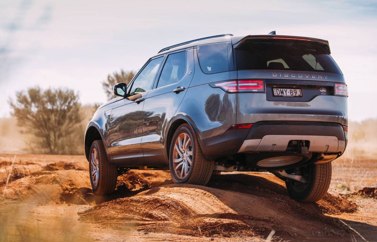 2016 Land Rover >> 2017 Land Rover Discovery on sale in Australia from $65,960 | PerformanceDrive