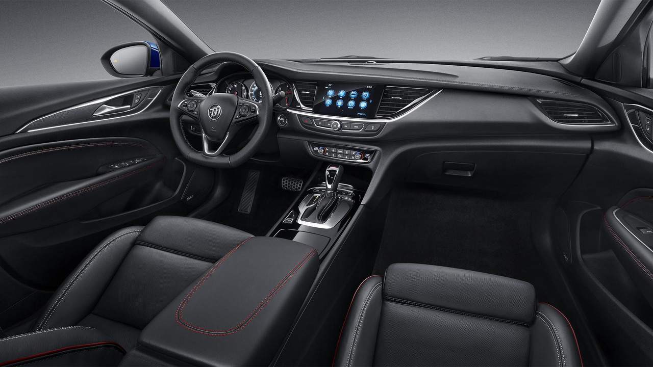 2018 Buick Regal Interior
