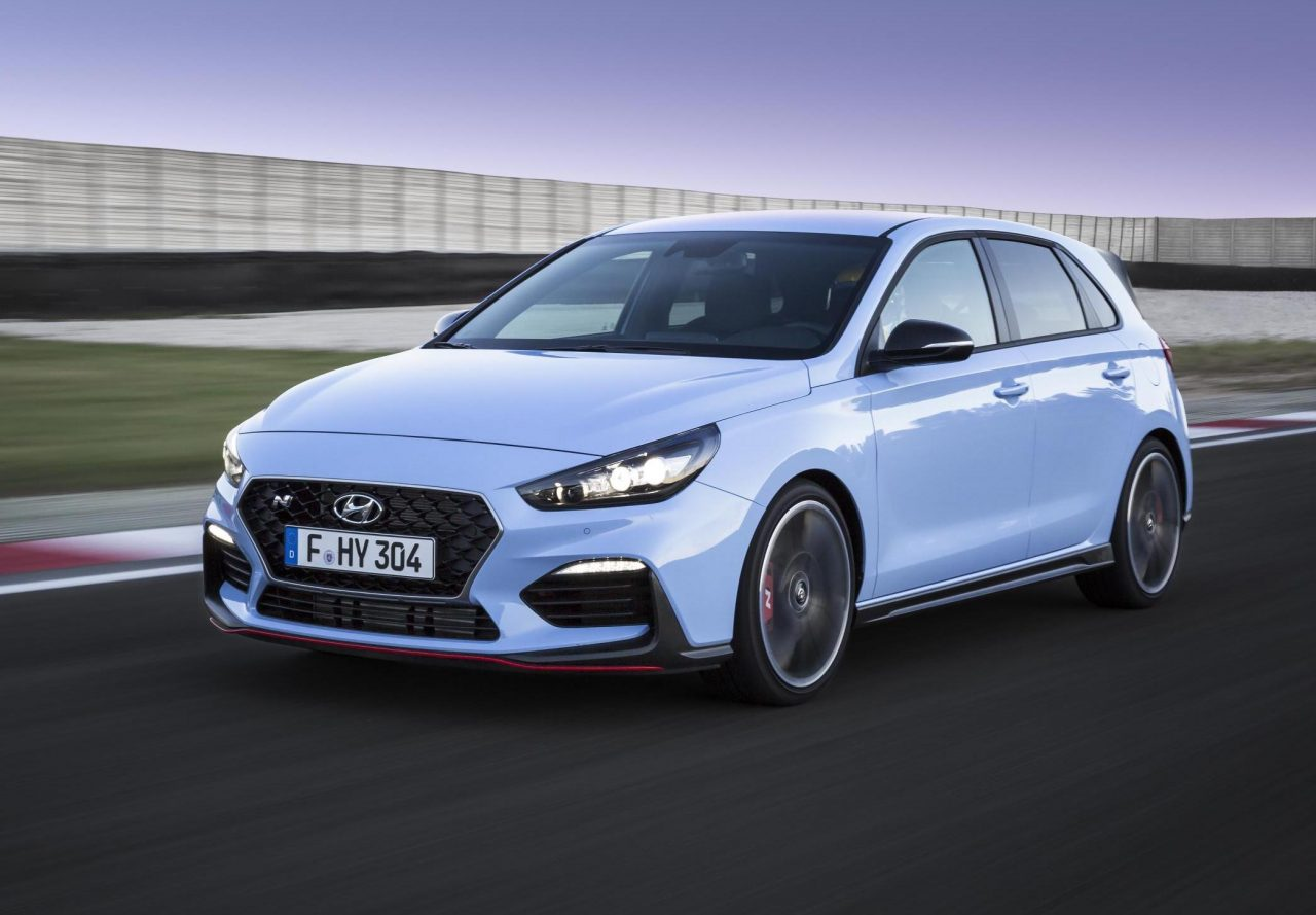 2018 hyundai i30 n officially revealed all new hot hatch video performancedrive. Black Bedroom Furniture Sets. Home Design Ideas